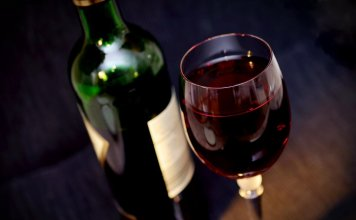 wine 541922 960 720 356x220 - Início
