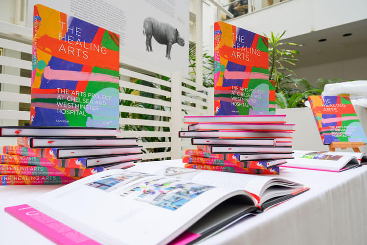 The Healing Arts book launch at Chelsea and Westminster Hospital - Preencher hospitais com arte reduz o estresse, a ansiedade e a dor do paciente