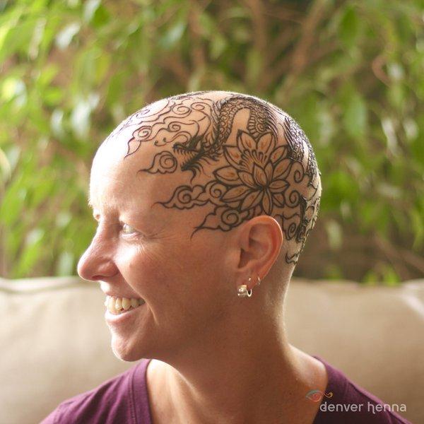 """henna crown 3 - Esta artista cria """"coroas de hena"""" para mulheres com câncer"""