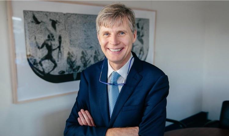 Professor David Paterson Released - 08 atualizações positivas sobre os surtos de COVID-19 de todo o mundo