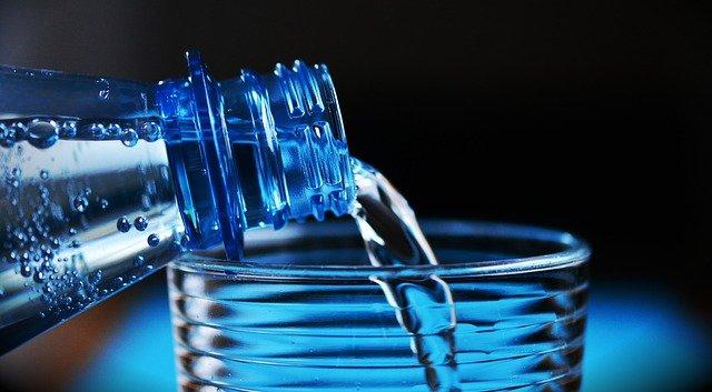 bottle 2032980 640 - Remédios naturais para tosse